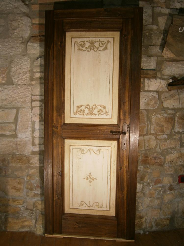 Porte in legno piallate a mano - Porte decorate a mano ...